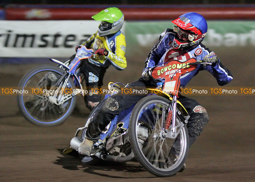 Heat 8 - Henning Bager (blue), Davey Watt - Arena Essex Hammers vs Oxford Cheetahs - Sky Sports Elite League 'B' - 29/09/2006 - MANDATORY CREDIT: Gavin Ellis