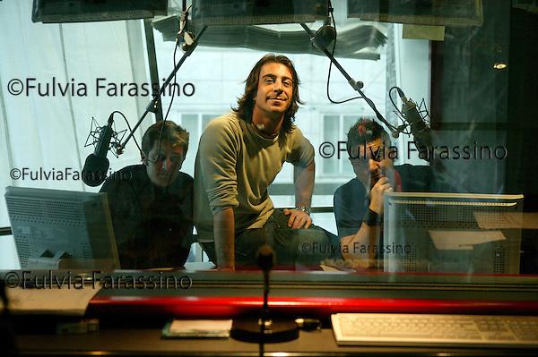 Milano, 30 gennaio 2004.Marco Mazzoli; Fabio Alisei; Paolo Noise.Lo zoo di Radio 105