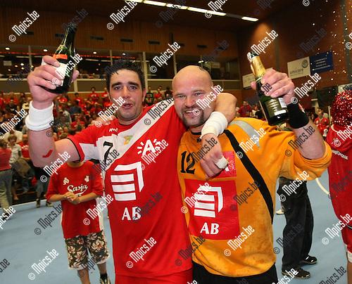 2008-05-17 / Handbal / Finale Play Offs / Sasja - Hasselt / David André en Lars Bertels vieren de 3e titel op rij voor Sasja..Foto: Maarten Straetemans (SMB)