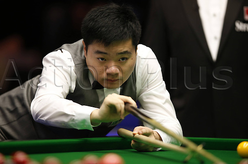 30.11.2013  Barbican, York, Yorkshire, England. Chinas Ding Junhui competes during the first round against Antony Parsons of England in 2013 UK Snooker Championship at York Barbican Centre in York, Britain on Nov. 30, 2013.