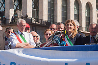 Milano, 25 Aprile 2016, manifestazione per la festa della Liberazione dal nazifascismo.Giuliano Pisapia sindaco di Milano, Giusi Nicolini Sindaco di Lampedusa.<br /> Milan, April 25, 2016, demonstration for the Liberation Day. Giuliano Pisapia mayor of Milan and Giusi Nicolini mayor of Lampedusa.