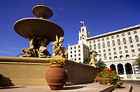 Luxory hotel and fountain in Florida, USA