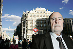 El escritor Raul Guerra Garrido en la Gran Via de Madrid. (ALTERPHOTOS/Alvaro Hernandez)