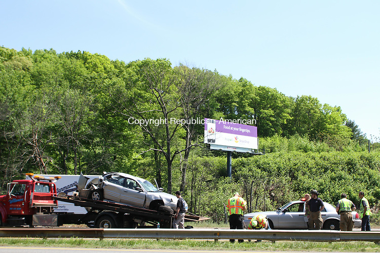 WATERBURY, CT-17 May 2012-051712LW01- An accident near exit 25 eastbound on Route 84 tied up traffic Thursday afternoon. Laraine Weschler Republican-American