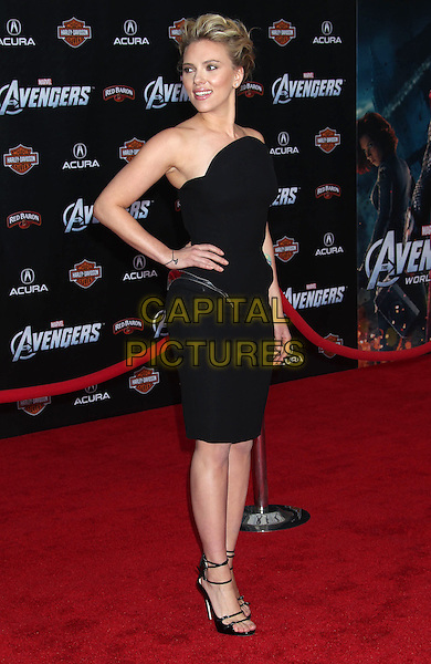 "Scarlett Johansson.""Marvel's The Avengers"" World Premiere held at the El Capitan Theatre, Hollywood, California, USA..April 11th, 2012.full length dress hand on hip black strapless.CAP/ADM/RE.©Russ Elliot/AdMedia/Capital Pictures."