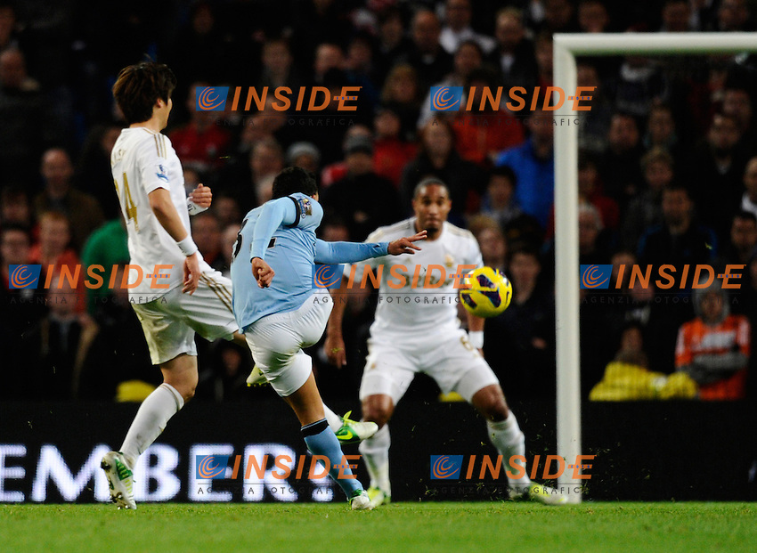 Carlos Tevez of Manchester City scores the first goal - Barclays Premier League - Manchester City vs Swansea City - Etihad Stadium - Manchester - 27/10/12 - Picture Simon Bellis/Sportimage/Insidefoto .ITALY ONLY
