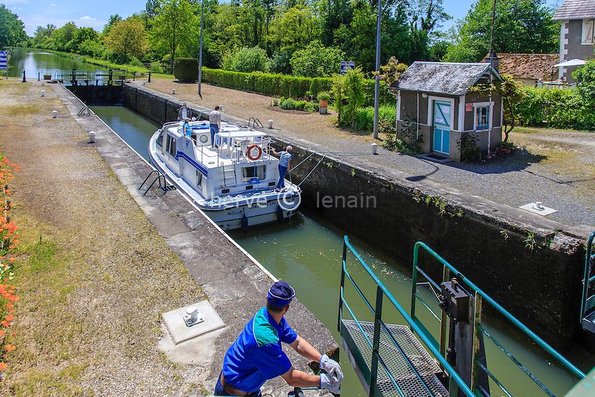 France, Cher (18), Berry, Couargues,  écluse de Lagrange sur le canal Latéral à la Loire // France, Cher, Berry region, Couargues, Lagrange lock on the canal Lateral a la Loire