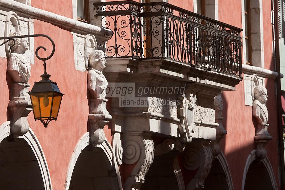 Europe/France/Rhône-Alpes/74/Haute-Savoie/Annecy:L'Hôtel de Sales, 17 ème siècle dont la façade est ornée de bustes représentant les saisons
