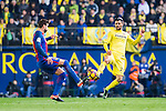 Gerard Pique Bernabeu (l) of FC Barcelona battles for the ball with Roberto Soriano of Villarreal CF during their La Liga match between Villarreal and FC Barcelona at the Estadio de la Cerámica on 08 January 2017 in Villarreal, Spain. Photo by Maria Jose Segovia Carmona / Power Sport Images