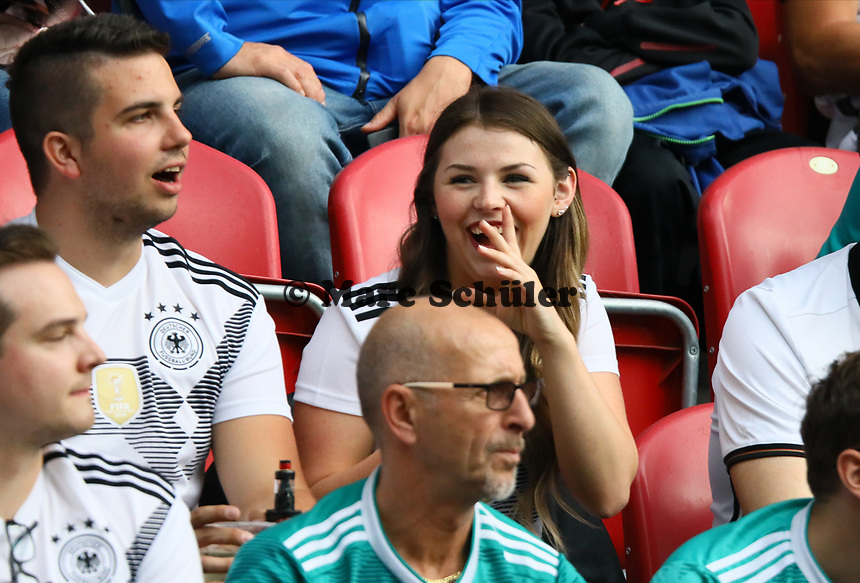 Fans haben Spaß - 11.06.2019: Deutschland vs. Estland, OPEL Arena Mainz, EM-Qualifikation DISCLAIMER: DFB regulations prohibit any use of photographs as image sequences and/or quasi-video.
