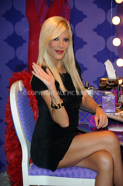 WWW.ACEPIXS.COM . . . . . ....July 29 2009, New York City....Acress and TV personality Tori Spelling posed in the window of Macy`s Herald Square to unveil the new Q-Tips Vanity Packs on July 29 2009 in New York City....Please byline: KRISTIN CALLAHAN - ACEPIXS.COM.. . . . . . ..Ace Pictures, Inc:  ..(212) 243-8787 or (646) 679 0430..e-mail: picturedesk@acepixs.com..web: http://www.acepixs.com
