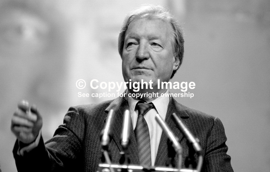 Charles J Haughey, Taoiseach, Prime Minister, Rep of Ireland, TD, Fianna Fail, platform, Ard Fheis, 19880204CJH2.<br />