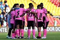 BOGOTÁ - COLOMBIA, 22-07-2018: Los jugadores de Boyacá Chicó F. C., durante partido de la fecha 1 entre Millonarios y Boyacá Chicó F. C., por la Liga Aguila II-2018, jugado en el estadio Nemesio Camacho El Campin de la ciudad de Bogota. / The players of Boyaca Chico F. C., during a match of the 1st date between Millonarios and Boyaca Chico F. C., for the Liga Aguila II-2018 played at the Nemesio Camacho El Campin Stadium in Bogota city, Photo: VizzorImage / Luis Ramirez / Staff.