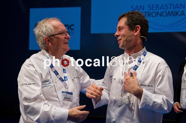Juan Mari Arzak (I), Pascal Barbot (D), Rest. L'Astrance (París). Feria de gastronomía San Sebastián Gastronomika. Congreso Internacional de Gastronomía con lo mejor de la gastronomía vasca, española y mundial