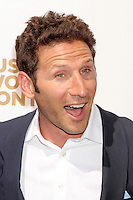 Mark Feuerstein attends USA Network's 2012 Upfront Event at Lincoln Center's Alice Tully Hsll in New York, 17.05.2012.  Credit: Rolf Mueller/face to face /MediaPunch Inc. ***FOR USA ONLY***