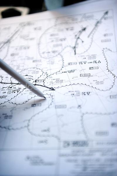 copyright : magali corouge / Documentography.10/06/09.Me?tier : Pilote..Feuille indiquant aux pilotes les vents ou le temps qu'ils vont rencontrer pendant le vol.