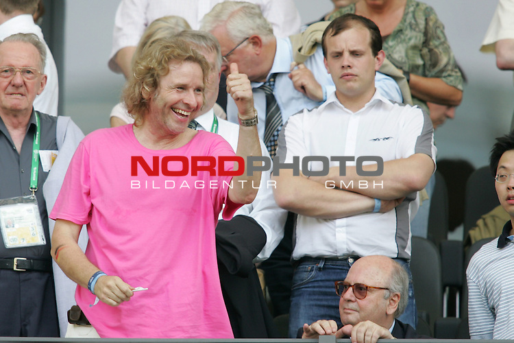 FIFA WM 2006 - Gruppe A ( Group A )<br /> Play #33 (20-Jun) - Ecuador vs Germany.<br /> TV-Showmaster and entertainer Thomas Gottschalk celebrates prior to the match of the World Cup in Berlin.<br /> Foto &copy; nordphoto