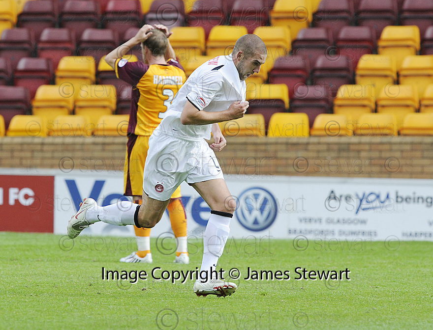 16/08/2008  Copyright Pic: James Stewart.File Name : sct_jspa12_motherwell_v_aberdeen.CHARLIE MULGREW CELEBRATES AFTER HE  SCORES ABERDEEN'S GOAL....James Stewart Photo Agency 19 Carronlea Drive, Falkirk. FK2 8DN      Vat Reg No. 607 6932 25.Studio      : +44 (0)1324 611191 .Mobile      : +44 (0)7721 416997.E-mail  :  jim@jspa.co.uk.If you require further information then contact Jim Stewart on any of the numbers above........