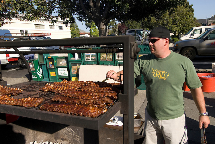 California, San Luis Obispo County: Thursday night festivities in the town of San Luis Obispo, with barbecue and a Farmers' Market..Photo caluis153-71146..Photo copyright Lee Foster, www.fostertravel.com, 510-549-2202, lee@fostertravel.com