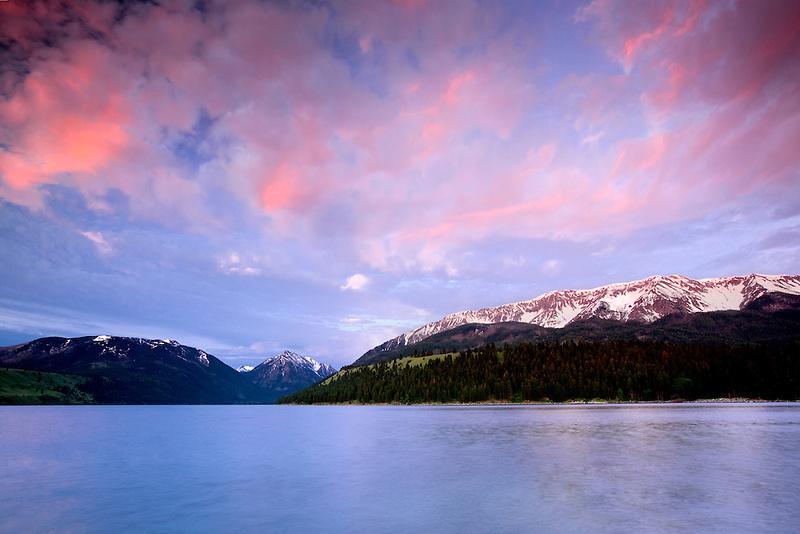 Wallow Lake and Mountains at Sunset. Oregon