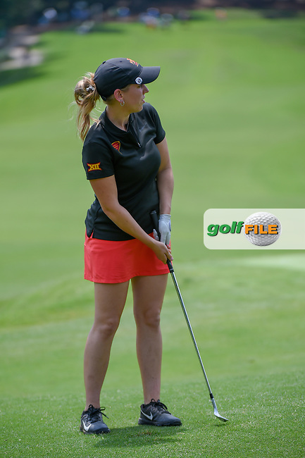 Ceilia Barquin Arozamena (a)(ESP) watches her chip on 18 during round 1 of the U.S. Women's Open Championship, Shoal Creek Country Club, at Birmingham, Alabama, USA. 5/31/2018.<br /> Picture: Golffile | Ken Murray<br /> <br /> All photo usage must carry mandatory copyright credit (© Golffile | Ken Murray)