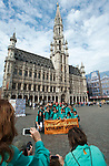 Belgium, Brussels - June 08, 2014; <br /> Gran exhibició castellera a Europa per reivindicar el dret a decidir: un castell al centre de Brussel·les / Grand Place; <br /> 145 people to build human towers in Brussels on Grand Place to claim the right to vote in a self-determination referendum; 'Catalans want to vote. Human towers for democracy'; <br /> Photo © HorstWagner.eu