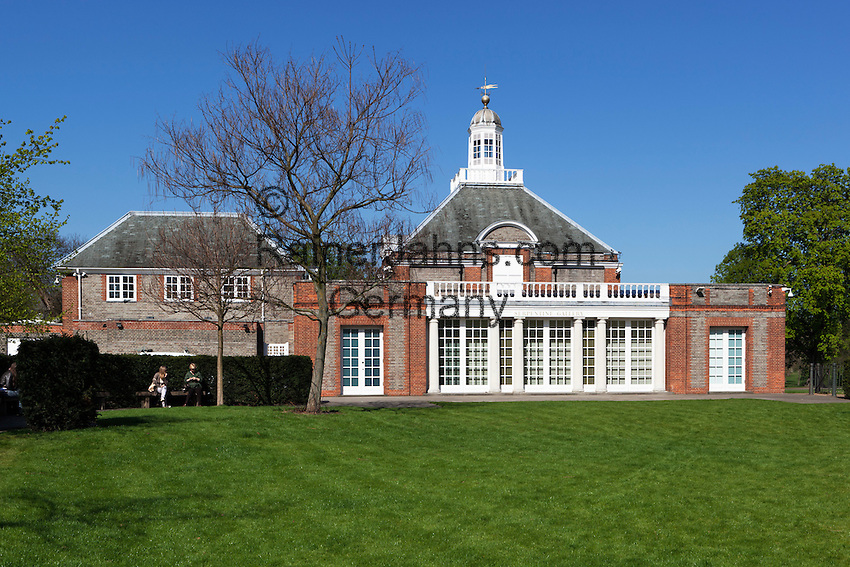 Great Britain, England, London: The Serpentine Gallery in Kensington Gardens, Hyde Park, in central London, it focuses on modern and contemporary art | Grossbritannien, England, London: The Serpentine Gallery fuer moderne und zeitgenoessische Kunst im Kensington Gardens, Hyde Park, in central London