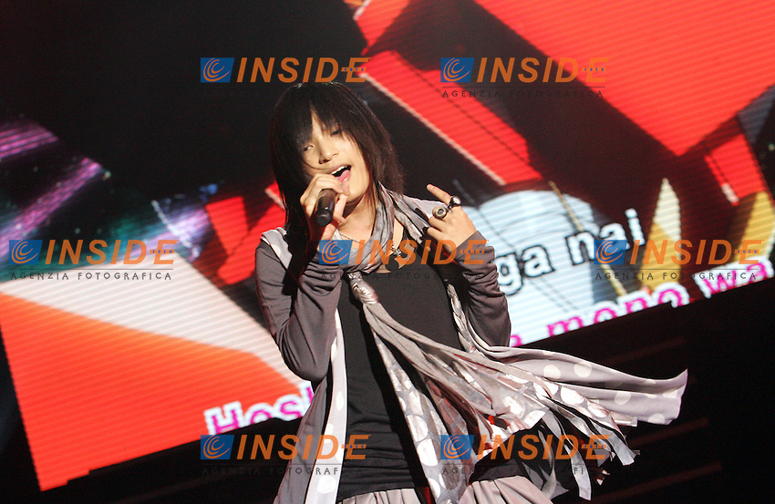 JAPANESE SINGER PIKO<br /> Roma 19/10/2010 Japan Anime Live, il primo show mondiale ispirato ai Manga giapponesi. Prove generali. Lo show riunisce insieme i piu' celebri personaggi del mondo Anime e Manga. La prima parte, cantata, rivisita le piu' famose sigle originali giapponesi.<br /> Japan anime Live, the first show inspired by Japanese Anime and Manga that gathers on the same stage the most famous characters of Manga and Anime. the first part is made by a famous singer in Japan, Piko, that has a double male/female voice and that sings the most famous signature tunes while cartoons are displayed on the screen.<br /> Photo Samantha Zucchi Insidefoto