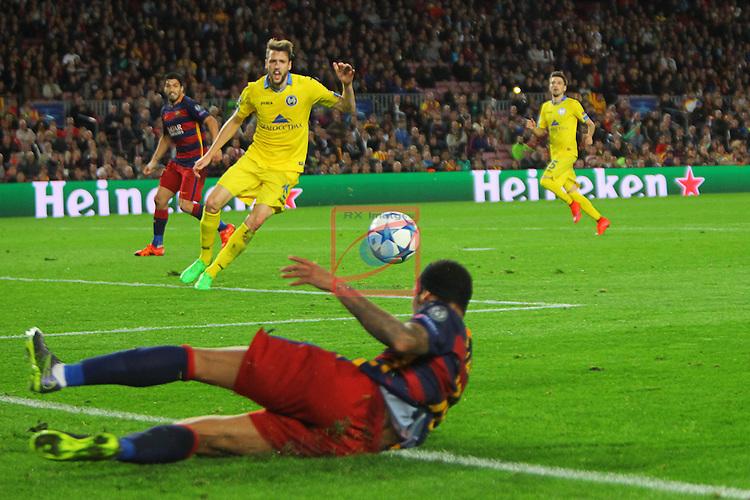 UEFA Champions League 2015-2016. Matchday 4.<br /> FC Barcelona vs FC BATE Borisov: 3-0.<br /> Neymar vs Nemanja Milunovic.