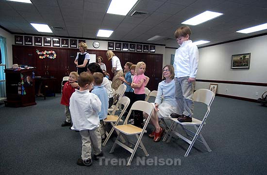 LDS Primary, family photos; 05.18.2003, 3:46:55 PM<br />