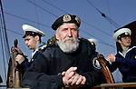 Nederland, Ijmuiden, 23-04-2005. Het Russische Marine opleidingsschip SEDOV meert aan in Ijmuiden om deel te nemen aan SAIL 2005. De bootsman van het schip poseert voor de fotograaf.  foto's : Michael Kooren.