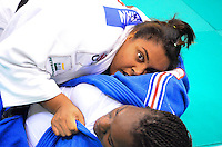 RIO DE JANEIRO, RJ,31 DE AGOSTO DE 2013 -CAMPEONATO MUNDIAL DE JUDÔ RIO 2013- A brasileira Maria Suelen Altheman (de branco) derrotou a francesa Emilie Andeol na semi-final da categoria +78kg no Mundial de Judô Rio 2013, no Maracanazinho de 26 de agosto a 01 de setembro, zona norte do Rio de Janeiro.FOTO:MARCELO FONSECA/BRAZIL PHOTO PRESS
