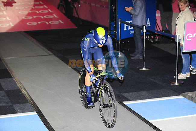 Jose Herrada Lopez (ESP) Movistar Team powers off the start ramp of Stage 1 of the 2016 Giro d'Italia, an individual time trial of 9.8km around Apeldoorn, The Nethrerlands. 6th May 2016.<br /> Picture: Eoin Clarke | Newsfile<br /> <br /> <br /> All photos usage must carry mandatory copyright credit (&copy; Newsfile | Eoin Clarke)