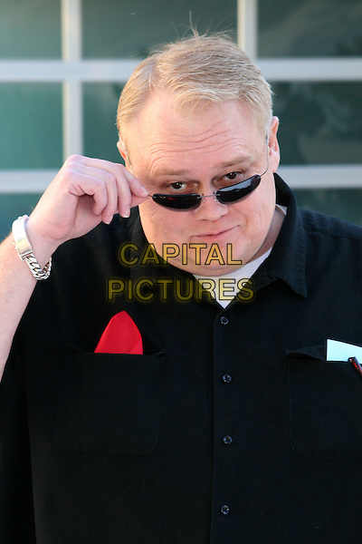 LOUIE ANDERSON.Remembering Rodney: Celebration of the One Year Anniversary of the Passing of Comic Legend Rodney Dangerfield held at the home of Joan Dangerfield, West Hollywood, California..October 5th, 2005.Photo Credit: Zach Lipp/AdMedia/Capital Pictures.Ref: ZL/ADM/CAP.headshot portrait sunglasses shades.www.capitalpictures.com.sales@capitalpictures.com.© Capital Pictures.