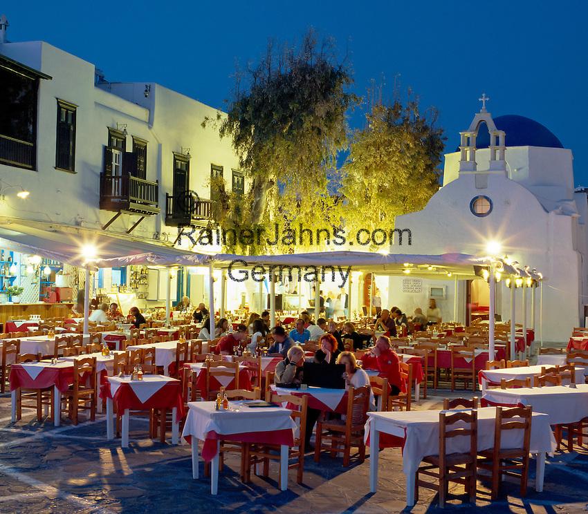 Greece, Cyclades, Mykonos: Evening Restaurant Scene   Griechenland, Kykladen, Mykonos: Restaurant am Abend