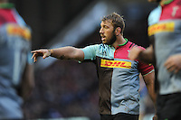 Chris Robshaw of Harlequins issues instructions during the Premiership Rugby match between Harlequins and Saracens - 09/01/2016 - Twickenham Stoop, London<br /> Mandatory Credit: Rob Munro/Stewart Communications