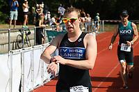 Jens Raab kommt ins Ziel - Mörfelden-Walldorf 21.07.2019: 11. MoeWathlon