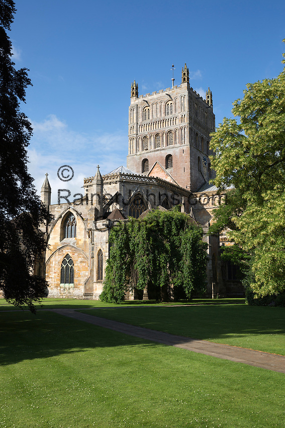 United Kingdom, England, Worcestershire, Tewkesbury: Abbey Church of St Mary the Virgin (Tewkesbury Abbey) | Grossbritannien, England, Worcestershire, Tewkesbury: Klosterkirche St Mary the Virgin (Tewkesbury Abbey)