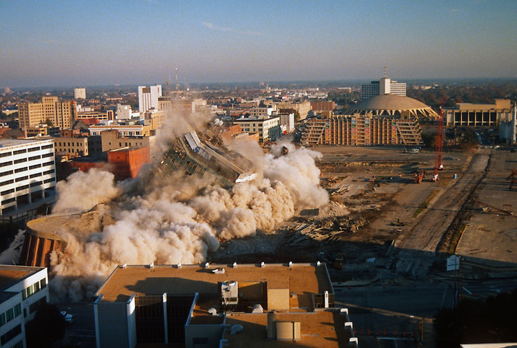 1996 November 24..Redevelopment..Macarthur Center.Downtown North (R-8)..SEQUENCE 11.IMPLOSION OF SMA TOWERS.LOOKING NORTH FROM ROOFTOP .OF MAIN TOWER EAST.PV3..NEG#.NRHA#..