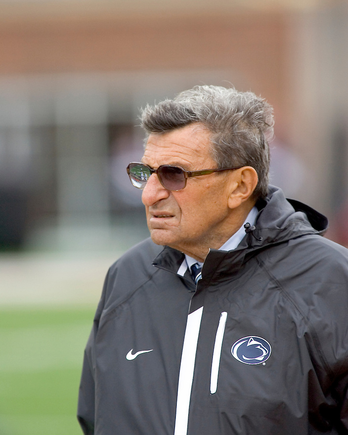 October 3, 2009 - Champaign, Illinois, USA - Penn State head coach Joe Paterno prepares for the game between the University of Illinois and Penn State at Memorial Stadium in Champaign, Illinois.  Penn State defeated Illinois 35 to 17.  .