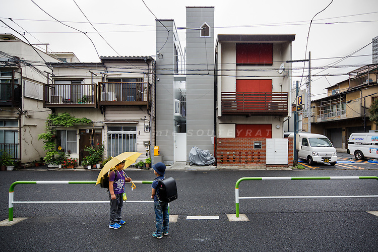 """Tokyo, May 30 2013 - """"A life with large opening"""" by ondesign."""