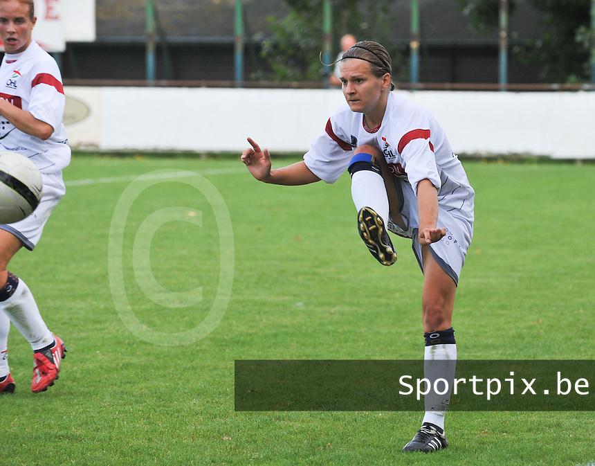 Oud Heverlee Leuven OHL Dames : Veerle Van Der Motte.foto JOKE VUYLSTEKE / Vrouwenteam.be