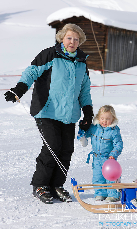 Queen Beatrix of Holland, with Princess Ariane attend a Photocall with Members of The Dutch Royal Family during their Winter Ski Holiday in Lech Austria