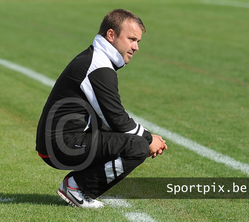 Ledegem - Avelgem :<br /> Ledegem : trainer Philip Mercier<br /> foto VDB / BART VANDENBROUCKE