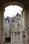 20080108 - France - Aquitaine - Pau<br /> VUES DEPUIS LE CHATEAU DE PAU SUR LA VILLE, LE GAVE ET LES PYRENEES.<br /> Ref : PAU_071.jpg - © Philippe Noisette.