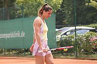 Andrea Petkovic auf dem Centre Court der Anlage des TEC Darmstadt beim Dumusstkämpfen-Charity Turnier zu Gedenken an Johnny Heimes