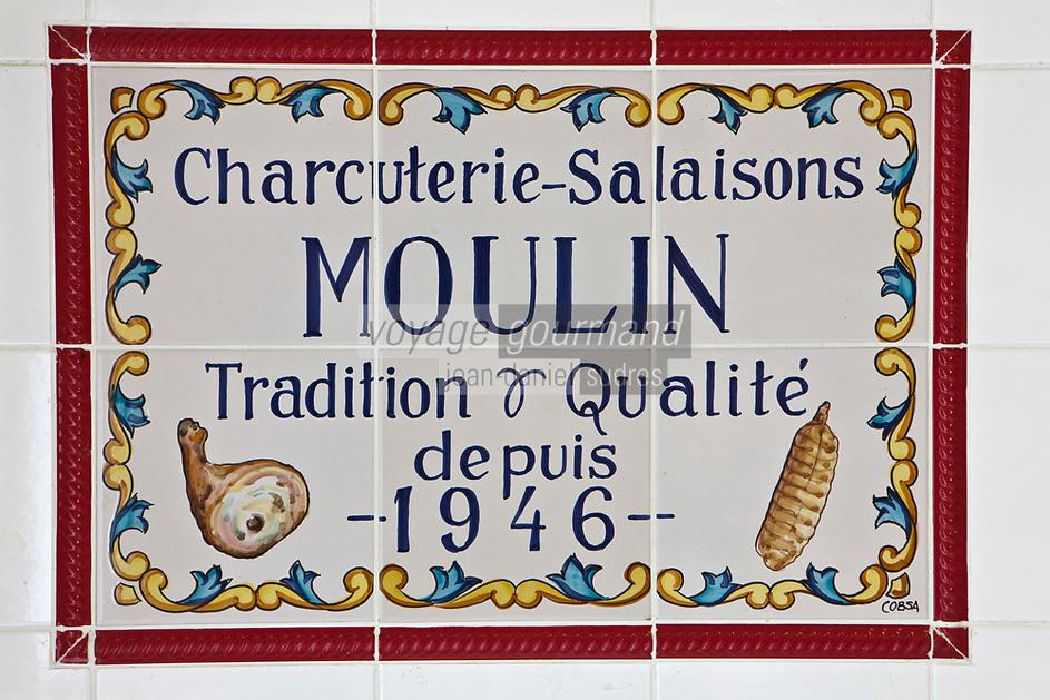 Europe/France/Rhone-Alpes/07/Ardéche/Cros de Géorand: Didier Moulin à la charcuterie Moulin