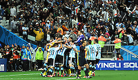 SAO PAULO - BRASIL -09-07-2014. Jugadores de Argentina (ARG) celebran la victoria sobre  Holanda (NED) en partido de las semifinales por la Copa Mundial de la FIFA Brasil 2014 jugado en el estadio Arena de Sao Paulo./ Players of Argentina (ARG) celebrate the victory on Netherlands (NED) in the match of the Semifinal for the 2014 FIFA World Cup Brazil played at Arena de Sao Paulo stadium. Photo: VizzorImage / Alfredo Gutiérrez / Contribuidor