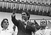 Jader Barbalho em comicio comemorando o primeiro ano de governo<br /> 15/03/84<br /> Foto: Paulo Santos/ Interfoto