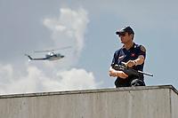Un tiratore scelto della Polizia di stato in servizio all'aeroporto di Ciampino.<br /> Police sniper at the Ciampino airport in Rome